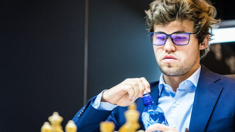 COMEBACK? Magnus Carlsen må slå tilbake etter nedturen i fjerde runde i Altibox Norway Chess 2017. Foto: Lennart Ootes