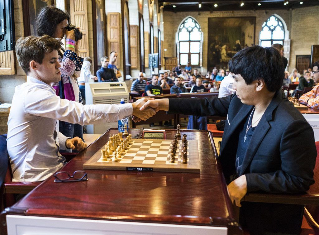 TRIUMF: Magnus Carlsen med seier over Wesley So i første lynsjakkparti i Leuven. Foto: Lennart Ootesq