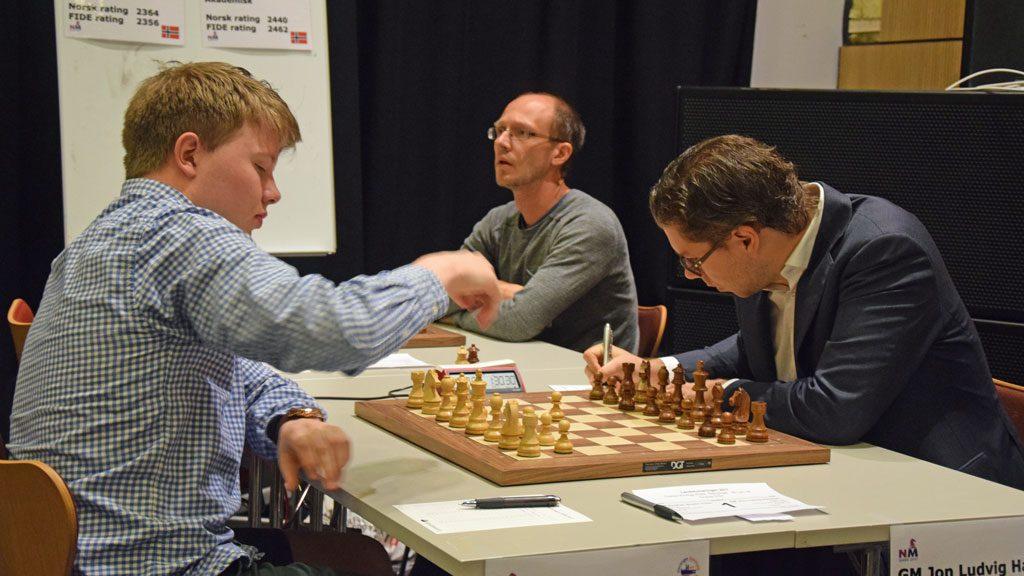 SEIER: OSS-spiller Jon Ludvig Hammer slo Vålerengas Kristian Stuvik Holm i Eliteklassen i 3. runde. Foto: Øyvind Malin