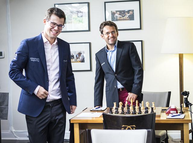 BLID: Magnus Carlsen og Levon Aronian blid før dagens runde i St. Louis. Foto: Lennart Ootes/Grand Chess Tour