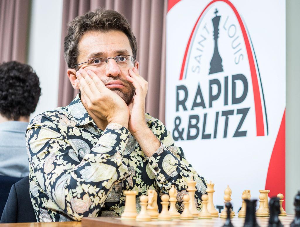 PRAKTPARTI: Levon Aronian med magi på brettet i første runde. Foto: Lennart Ootes/Grand Chess Tour