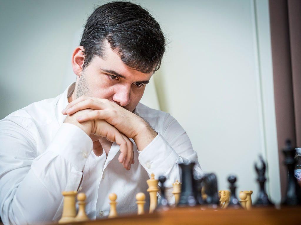 LEDER: Ian Nepomniachtchi leder etter to dager i St. Louis. Foto: Lennart Ootes/Grand Chess Tour