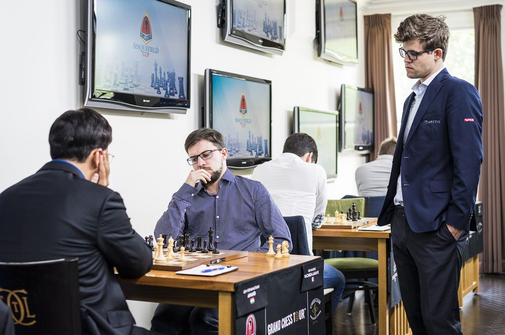 Carlsen så Viswanathan Anand og Maxime Vachier-Lagrave spille remis. Foto: Lennart Ootes/Grand Chess Tour