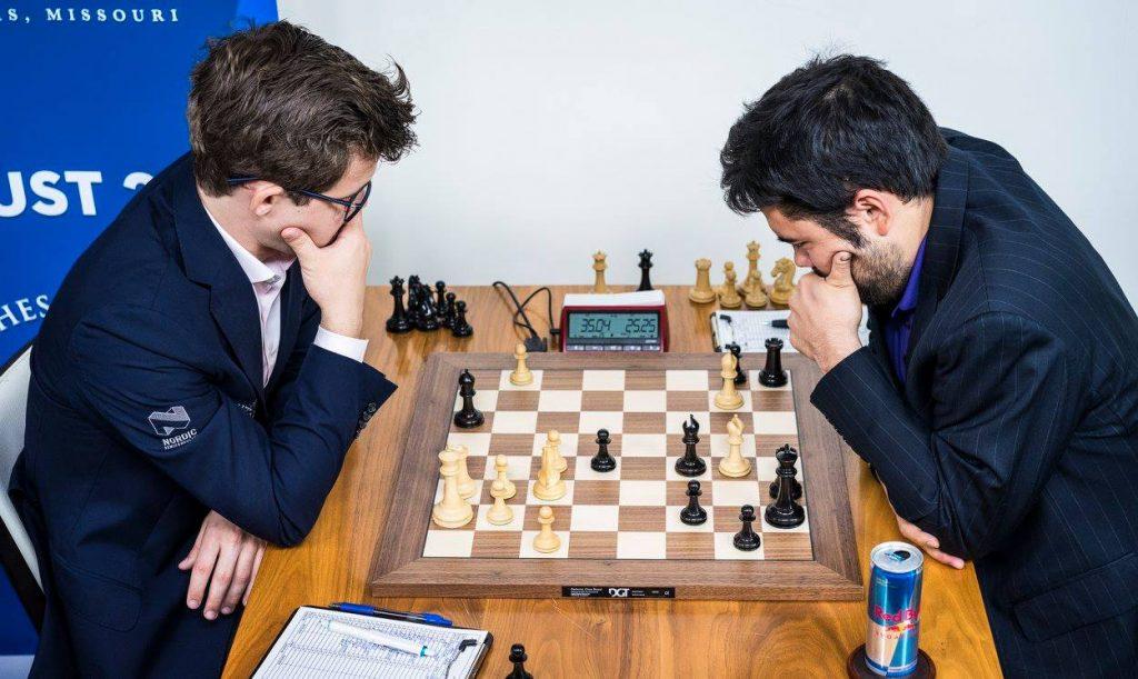 ERKEFIENDER: Magnus Carlsen og Hikaru Nakamura i sitt 33. møte, her fra 6. runde i Sinquefield Cup. Foto: Lennart Ootes/Grand Chess Tour