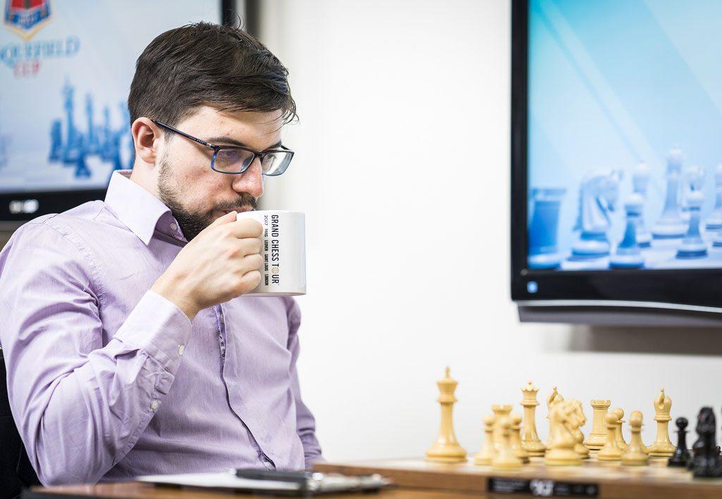 LEDER: Maxime Vachier-Lagrave med 3,5 peong etter fem runder. Foto: Lennart Ootes/Grand Chess Tour