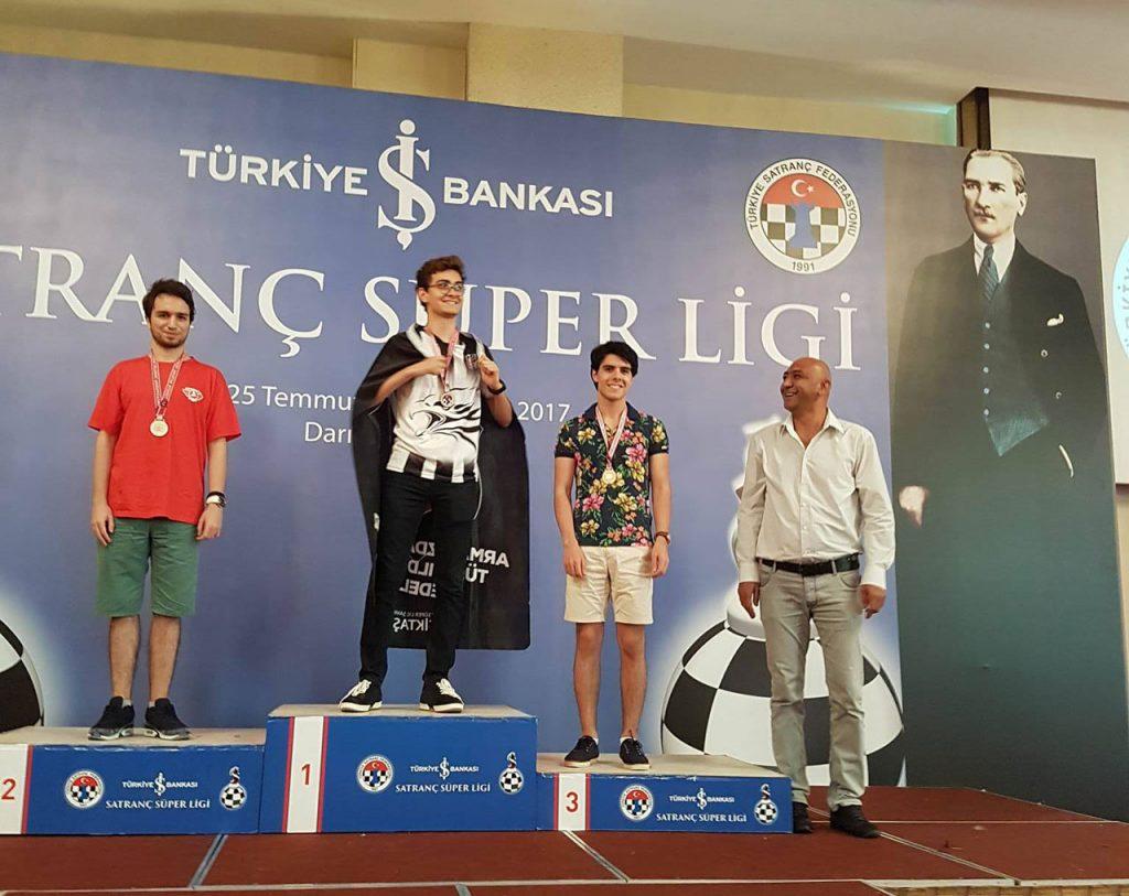 Tari fikk premie for sine 8 av 12 poeng. Foto: Privat