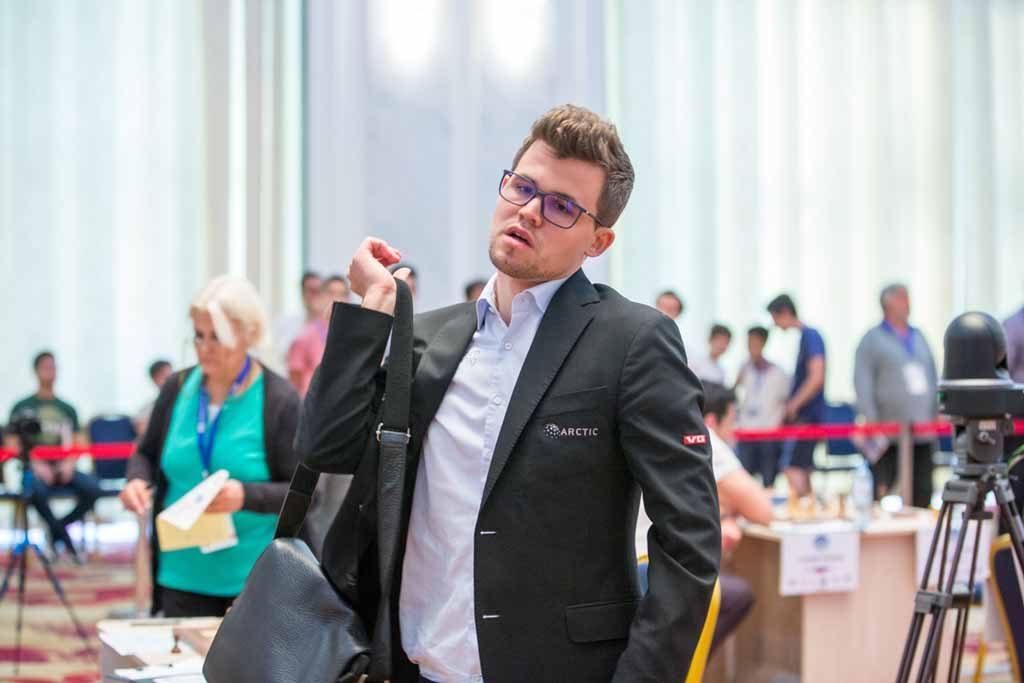 UTE: Magnus Carlsen røk ut av FIDE World Cup etter å ha tapt for Bu Xiangzhi. Foto: Maria Emelianova/chess.com