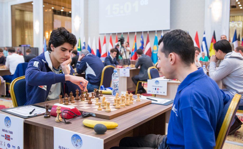 UTSLÅTT: Aryan Tari tapte 1,5-0,5 for amerikanske Alex Lenderman. Foto: Maria Emelianova/mattogpatt.no