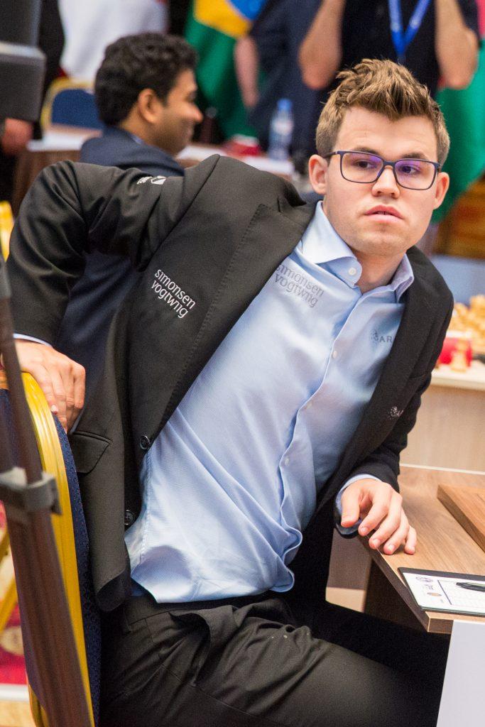 FIRE AV FIRE: Magnus Carlsen er den eneste spilleren i turneringen som har vunnet alle fire partier. Foto: Maria Emelianova/mattogpatt.no