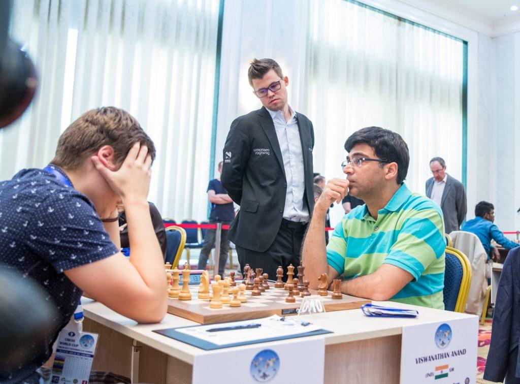 UTSLÅTT: Viswanathan Anand er ute av World Cup etter 1,5-0,5 mot Anton Kovalyov. Foto: Maria Emelianova/mattogpatt.no