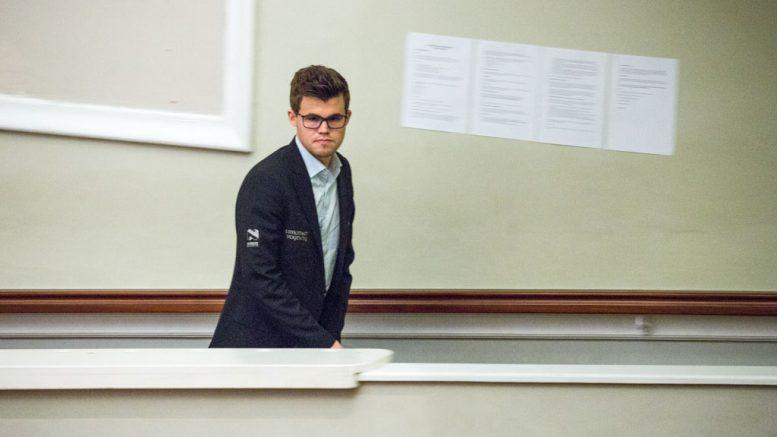 2 AV 2: Magnus Carlsen etter sin andre seier på Isle of Man. Foto: Maria Emelianova/chess.com