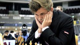 ÅPENT: Magnus Carlsen stiller i den sterke åpne turneringen i Isle of Man. Foto: Yerazik Khahatourian