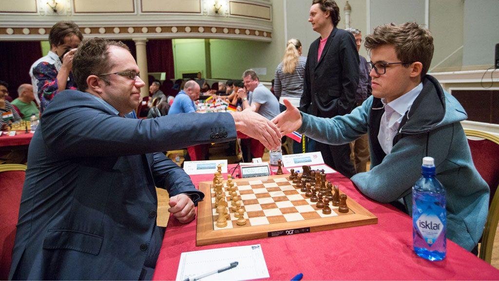 6 AV 6: Magnus Carlsen med ny seier over Pavel Eljanov. Foto: Maria Emelianova/chess.com