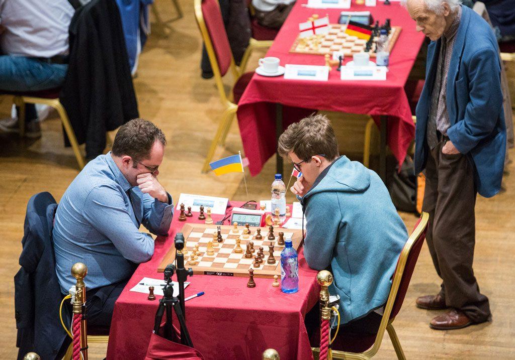 VM-HJELPER: Pavel Eljanov hjalp Magnus Carlsen med forberedelsene under VM-matchen mot Viswanathan Anand i 2014. Foto: Maria Emelianova/chess.com