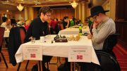 Vegard Garmark i aksjon mot Morten Rolstad under TV 2 Fagernes Chess International. Foto: Tom Eriksen