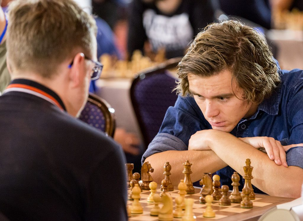 KNUSENDE: Benjamin Arvola Notkevich vant sitt første parti i EM etter bare 20 trekk. Foto: Maria Emelianova/chess.com