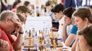 SEIER: Norge slo Færøyene og vant sin første EM-seier på Kreta. Foto: Maria Emelianova/chess.com
