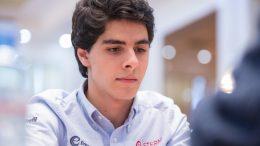 LEDER: Aryan Tari med knallsterk ledelse etter 8 av 11 runder av Junior-VM i Italia. Foto: Maria Emelianova/chess.com