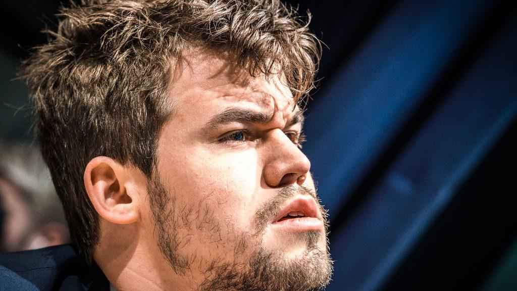 MISFORNØYD: Magnus Carlsen er ikke fornøyd med egen prestasjon i London Chess Classic. Foto: Lennart Ootes/Grand Chess Tour