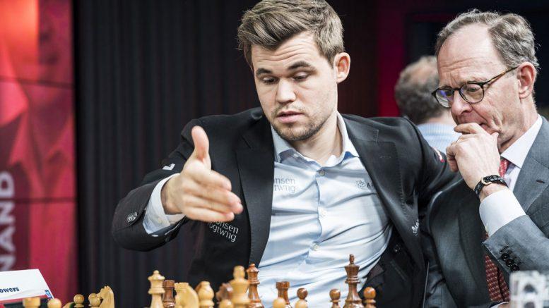 LONDON: Magnus Carlsen under åpningen av London Chess Classic torsdag kveld. Foto: Lennart Ootes/Grand Chess Tour