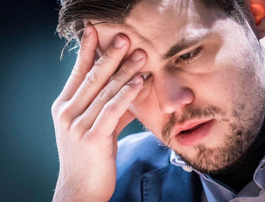 NEDTUR: Magnus Carlsen under møtet med Hikaru Nakamura i London Chess Classic. Foto: Lennart Ootes/Grand Chess Tour