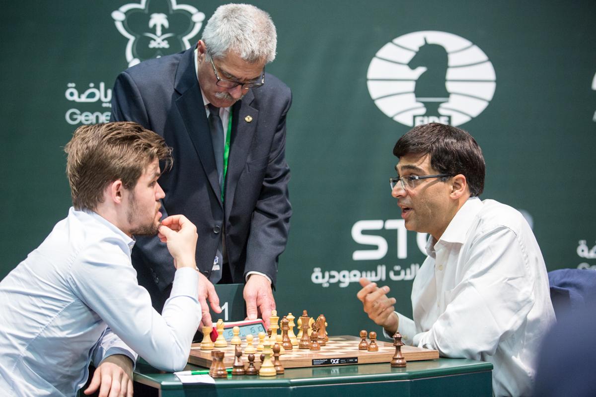 TAP: Magnus Carlsen tapte møtet med Viswanathan Anand i VM i hurtigsjakk. Foto: Maria Emalianova/chess.com