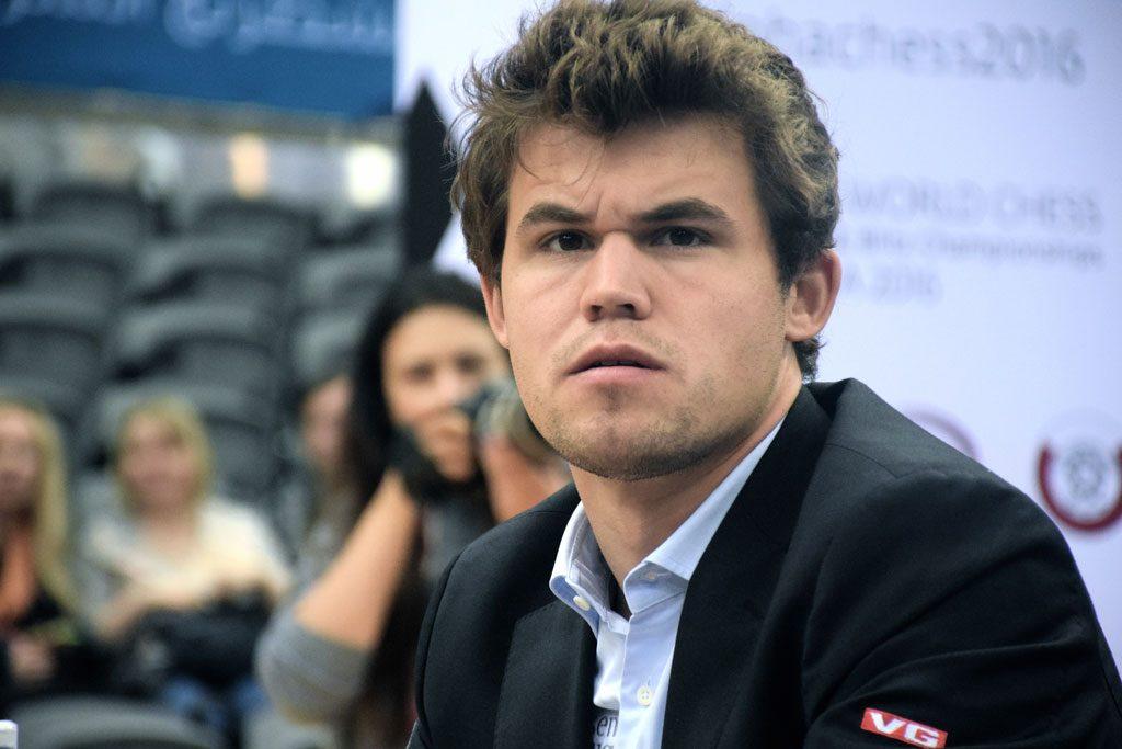 VERDENSMESTER? Magnus Carlsen drømmer om å ha tre VM-titler, som han hadde i 2014. Foto: Yerazik Khachatourian