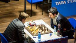 VERDENSMESTRE: Magnus Carlsen mot tidligere verdensmester, og potensiell VM-motstander, Vladimir Kramnik i 5. runde av Tata Steel Chess. Foto: Maria Emelianova