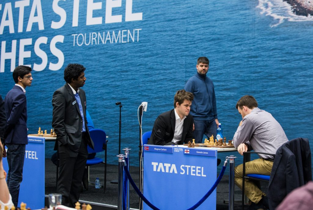 """Everybody"" were watching the dramatic game with Carlsen and Jones. Photo: Maria Emelianova"