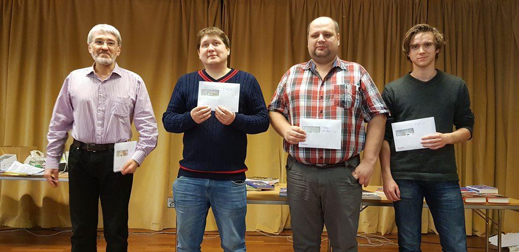 Vinnere i TV 2 Fagernes Chess International: Fra venstre: Igors Rausis (4. plass), Dmitry Kryakvin (2. plass), Maxim Turov (1. plass) og Benjamin Arvola Notkevich (3. plass). Foto: Tarjei J. Svensen