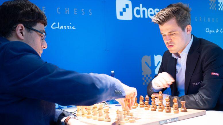 Magnus Carlsen med remis mot Viswanathan Anand i det 61. oppgjøret. Foto: Eric van Reem