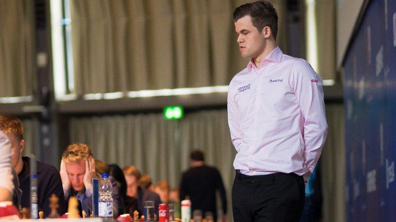 Magnus Carlsen med remis i 3. runde av Grenke Chess Classic. Foto: Eric van Reem
