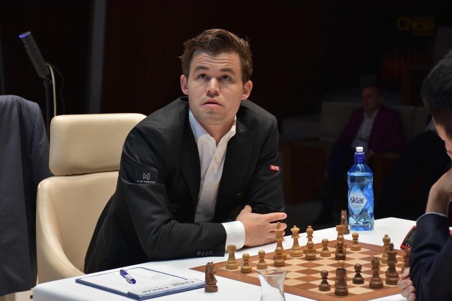 Magnus Carlsen var ikke helt fornøyd med eget spill i Shamkir, men resultatet er det ingen grunn til å klage over. Foto: shamkirchess.com