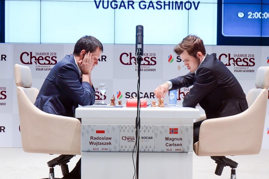 Carlsen tok sin fjerde seier av fire mulige med hvite brikker mot Wojtaszek. Foto: shamkirchess.com