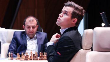 Magnus Carlsen med remis mot Rauf Mamedov i 3. runde av Shamkir Chess 2018. Foto: Shamkir Chess