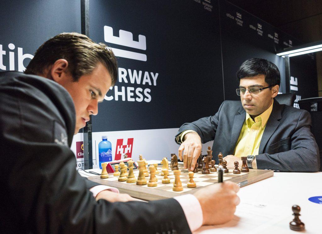 Remis for 44. gang mellom Magnus Carlsen og Viswanathan Anand. Foto: Lennart Ootes