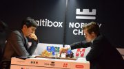 Nedtur for Magnus Carlsen i det 13. møtet med Wesley So i Altibox Norway Chess. Foto: Tarjei J. Svensen