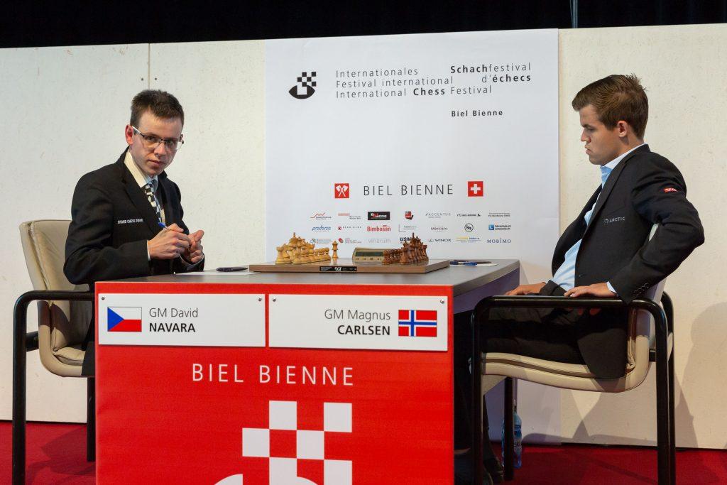 Magnus Carlsen og David Navara møttes for niende gang i karrieren i Biel. Foto: Hege Finsrud/Bærum Foto
