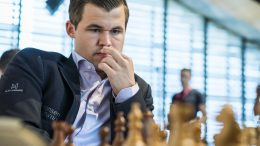Magnus Carlsen med nedtur i Biel. Foto: Lennart Ootes/Biel International Chess Festival