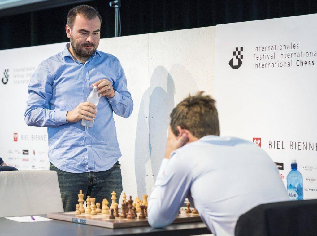Shakhriyar Mamedyarov slo Magnus Carlsen, vant Biel og satte ny ratingrekord. Foto: Lennart Ootes/Biel International Chess Festival