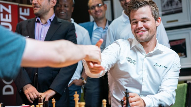 Magnus Carlsen under torsdagens Ultimate Moves, der Carlsen var på det vinnende Team Rex-laget. Foto: Lennart Ootes/Grand Chess Tour