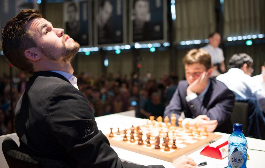 Magnus Carlsen har tidligere slitt mot spillere rangert under 2600 i rating. Det gjorde han også mot Vincent Keymer i dag, men det ble seier til slutt. Foto: Eric van Reem.