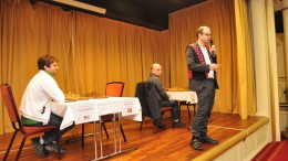 Hans Olav Lahlum åpnet TV 2 Fagernes International. Foto: Tom Eriksen