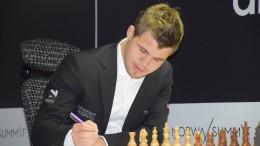 Magnus Carlsen nærmere turneringsseier etter seieren over Kramnik. Foto: Yerazik Khachatourian