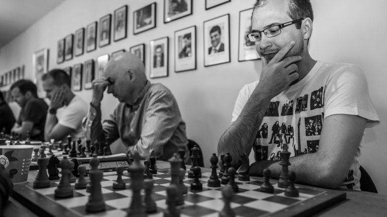 Daniel Kovachev, med toer Atle Grønn i bakgrunnen. Foto: Rolf Haug (www.haugsbilsalg.no)