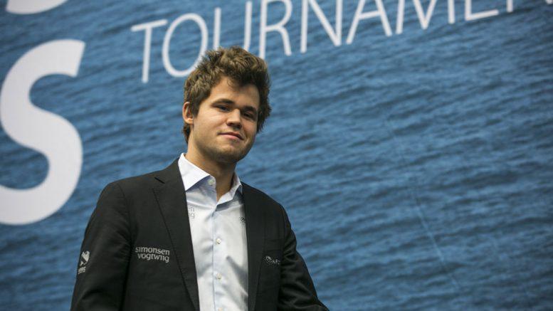Magnus Carlsen under møte med Loek van Wely i Tata Steel Chess 2017. Foto: Maria Emelianova