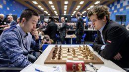 Wei Yi - Magnus Carlsen. Foto: Alina l'Ami/Tata Steel Chess
