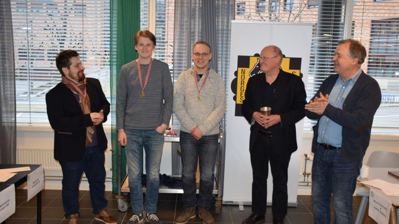 Vålerenga er seriemester i sjakk 2016/17. Foto: Tarjei J. Svensen