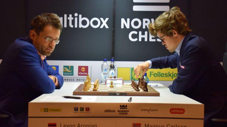 NEDTUR: Magnus Carlsen tapte for Levon Aronian for sjuende gang i karrieren. Foto: Tarjei J. Svensen