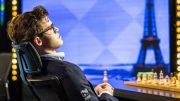 LEDER: Magnus Carlsen slapper av mellom rundene. Foto: Lennart Ootes